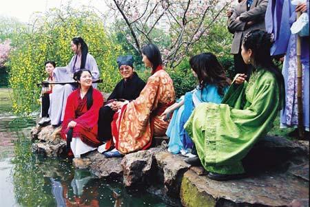 """上海 中国/2006年4月1日,上海康健园举办""""上巳节""""活动,活动内容包括..."""