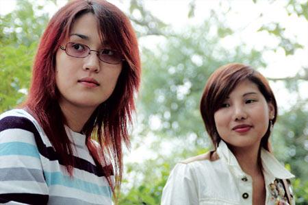 湖南2名变性美女会面称最重要是认识自己(图)