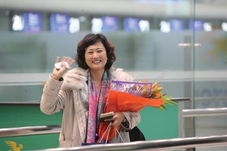 韩国女白领大连当主播(图)