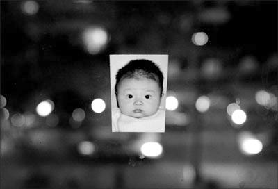 深圳女子怀中男婴被抢距派出所不足百米(图)