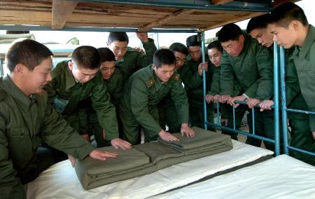 内蒙古武警边防部队新兵开始训练 3图片