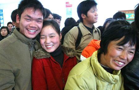 图文:温州外来务工人员准备返乡结婚