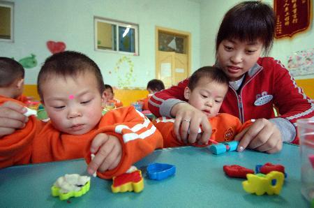 3周岁宝宝来看幼儿园 老师应该怎样介绍