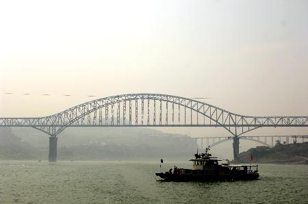 组图:三峡库区首座铁路特大桥主体工程完工