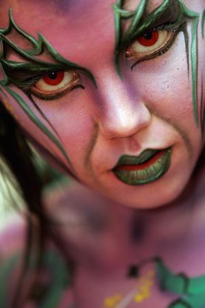 顶级女性人体艺术图片_组图:新西兰人体艺术奖亮相 各种彩绘扑朔迷离