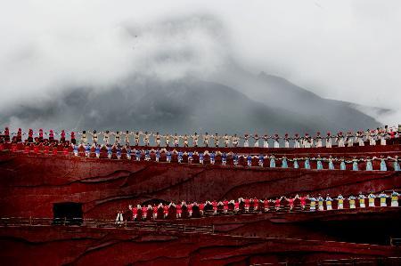 图文:[社会](1)《印象・丽江》雪山篇正式公演