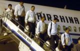 图文:中石化驻埃塞项目组人员走下飞机