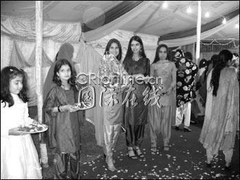 我对巴基斯坦有这么多长发美女已经不再感到