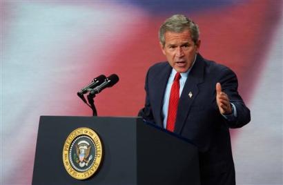 布什发表演说为反恐战争辩护试图挽回辩论颓势