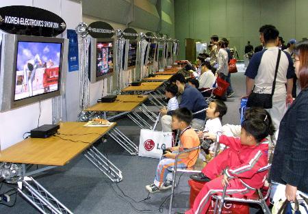 图文:第35届韩国电子展在汉城举行(1)