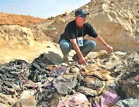 伊拉克掘出万人坑最年轻死者为18周胎儿(图)