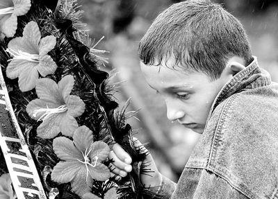 俄人质事件引发心理危机校长和教师受死亡诅咒