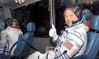华裔宇航员成首位在太空参与大选投票的美国人