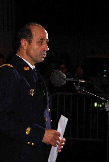 图文:法国贝尔西军医院宣布阿拉法特病情稳定(2)