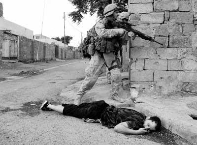 女犯-伊总理仨亲属面临斩首 美军占领费卢杰七成城区图片