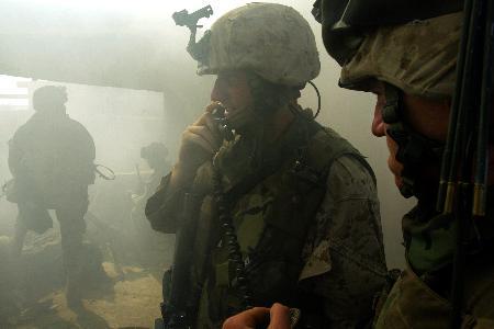 图文:美军攻入费卢杰反美武装最后据点