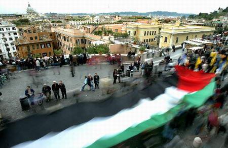 组图:罗马举行纪念阿拉法特千人游行