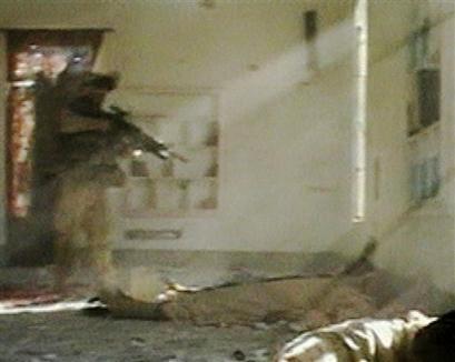 美电视台播出驻伊美军枪杀受伤战俘画面(组图)