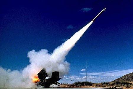 日内阁通过新防卫大纲将中国朝鲜列为关注重点