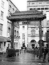 伦敦唐人街等着翻新:业主想改造华人坚持不搬迁