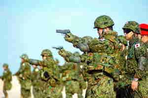 日本防卫大纲暴露野心首次称中朝为假想敌(图)