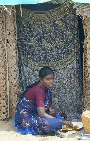 图文:印度灾民居有其屋(4)