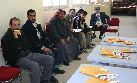 开始 图文 约旦/图文:旅居约旦的伊拉克侨民开始投票(4)