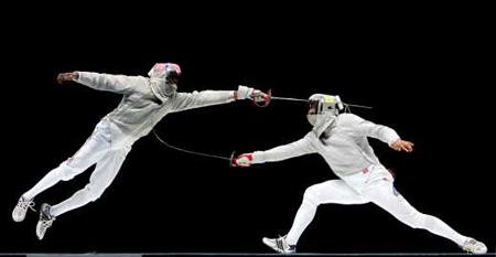 图文:奥运会比赛组照(体育动作类组照二等奖)