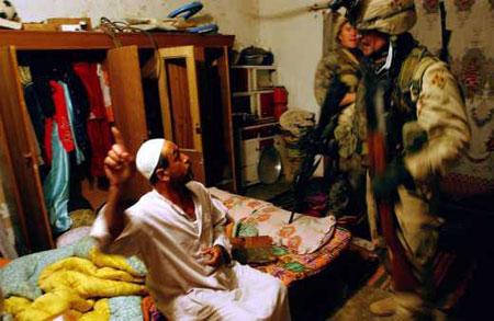 图文:美国士兵在伊拉克(突发新闻类组照三等奖)