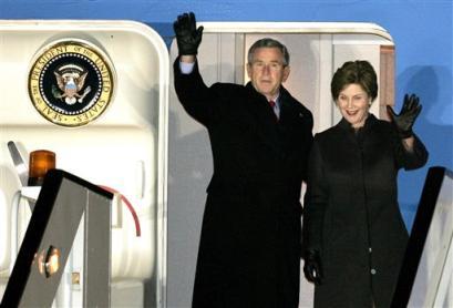 布什连任后首次出访抵达布鲁塞尔开始欧洲之旅