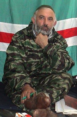 车臣匪首马斯哈多夫被打死保镖枪支走火夺其命