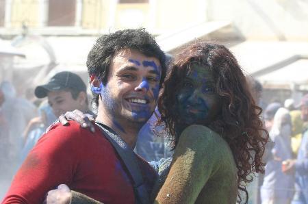 组图:希腊加拉希迪狂欢节