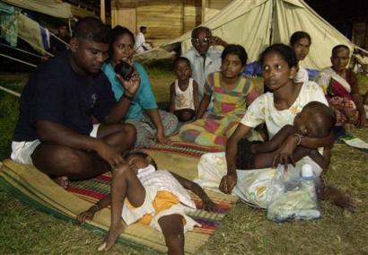 图文:斯里兰卡家庭在临时庇难所中