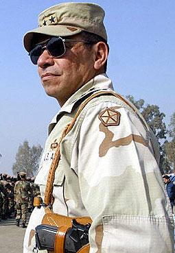 前驻伊美军最高指挥官曾授权士兵虐囚(图)