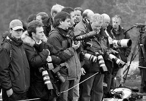 英王储查尔斯面对媒体心情败坏偷骂记者被扩音