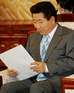 韩国总统向安南表示反对日本成为常任理事国