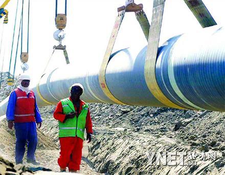 里海石油管道昨天开通