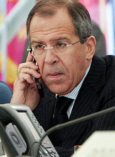 俄外长与日外相会谈确定普京今年内访问日本