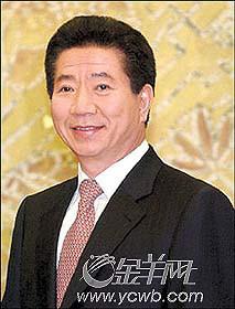 """点击总统:卢武铉起床练""""瑜珈""""(图)"""