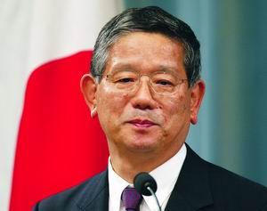 日本外相为小泉辩护称亚洲国家批评反应过度