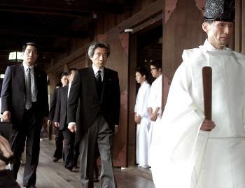 日本首相小泉避谈今后是否将参拜靖国神社