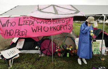 阵亡士兵母亲扎营布什农场要求从伊撤军(组图)
