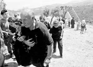 塞浦路斯空难118具遗体找到失事原因至今成谜
