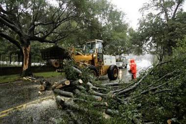 飓风奥菲莉娅袭击美国北卡罗莱纳海岸(组图)