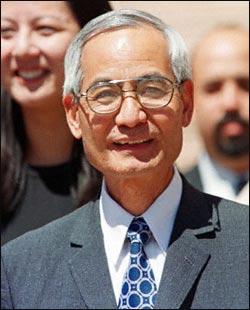 美国州长承认李文和案为冤案被押期间曾遭虐待