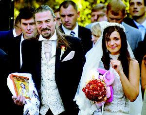 乌克兰前美女女儿出嫁了组图