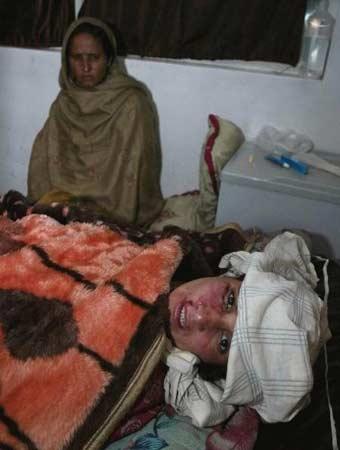巴基斯坦地震造成几十人死亡数百人受伤