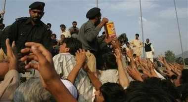 巴基斯坦媒体称地震死亡人数可能已超过5万人