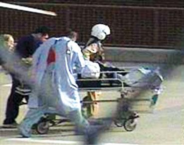 美国发生校园枪击案助理校长死亡校长受伤(图)