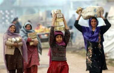巴基斯坦地震死亡人数超过8.6万人(图)